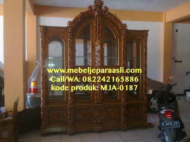 Lemari Pajangan Ukiran Mewah Jepara-MJA-0187-Mebel Jepara Asli