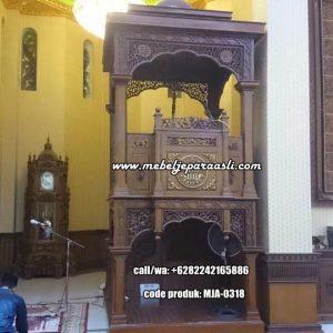 Mimbar Khutbah Masjid Mewah